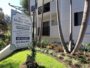 4215 Tujunga Avenue 1-2 Beds Apartment for Rent Photo Gallery 1