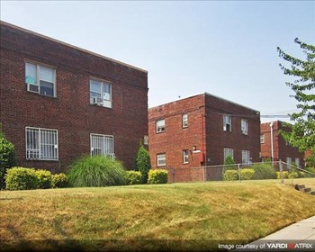 21 35th St NE, 3505-3533 Ames St NE 1-2 Beds Apartment for Rent Photo Gallery 1
