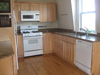 154 Broadway 2 Beds Apartment for Rent Photo Gallery 1