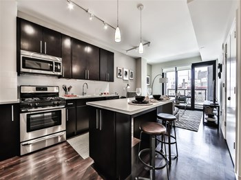 922 West Washington Blvd. Studio-2 Beds Apartment for Rent Photo Gallery 1