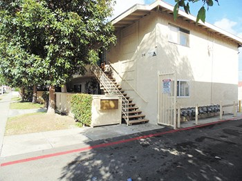 518-530 Anna Dr. Studio Apartment for Rent Photo Gallery 1