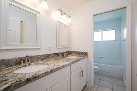 2157 Wintermere Pointe Dr Photo Gallery 16