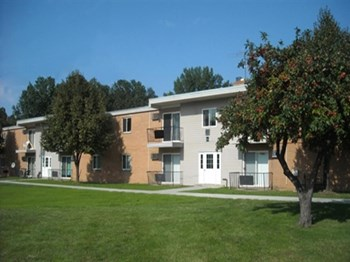 25531 N Lakeland Blvd 1-2 Beds Apartment for Rent Photo Gallery 1