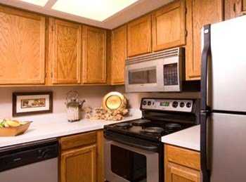 2220 East 52nd Street 1-2 Beds Apartment for Rent Photo Gallery 1