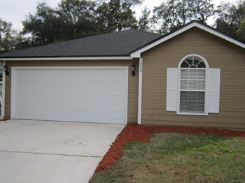 920 Majestic Cypress Dr N 3 Beds House for Rent Photo Gallery 1