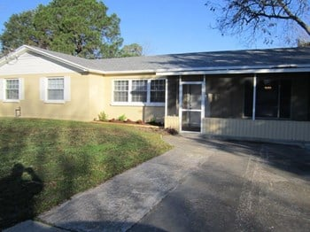 5059 French St 3 Beds House for Rent Photo Gallery 1