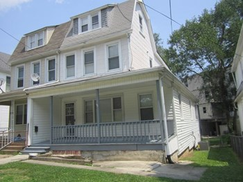 6111 Everall Ave 3 Beds House for Rent Photo Gallery 1