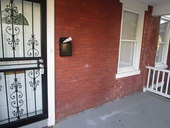 204 W 20th St 4 Beds House for Rent Photo Gallery 1