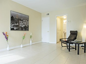 1732 27th Avenue 1-2 Beds Apartment for Rent Photo Gallery 1