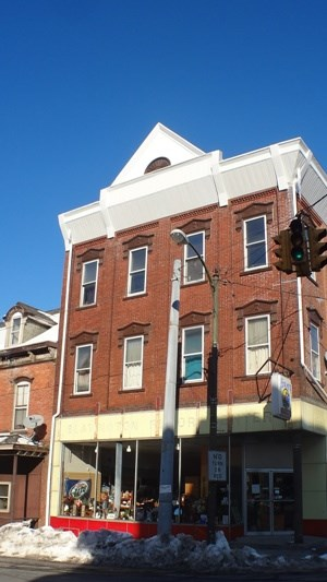 691 Main St 1 Bed House for Rent Photo Gallery 1