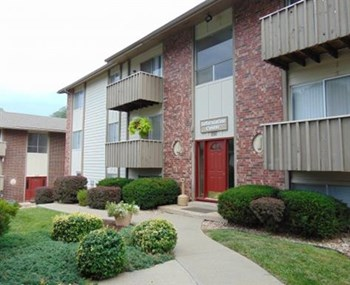 939 Cherokee Drive #45 Studio-2 Beds Apartment for Rent Photo Gallery 1
