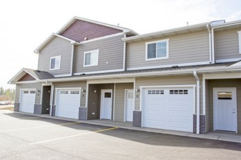 5712 E. Red Oak Drive Studio-3 Beds Apartment for Rent Photo Gallery 1