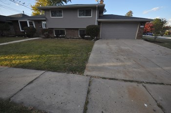 17342 Oriole Avenue 3 Beds House for Rent Photo Gallery 1