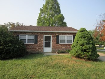 10 Wright Circle 2 Beds House for Rent Photo Gallery 1