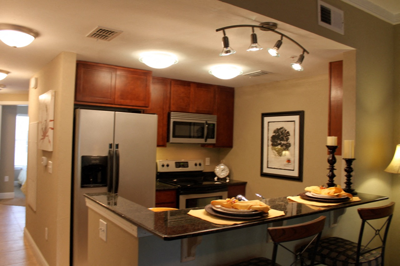 Full Suite of Stainless Steel Kitchen Appliances