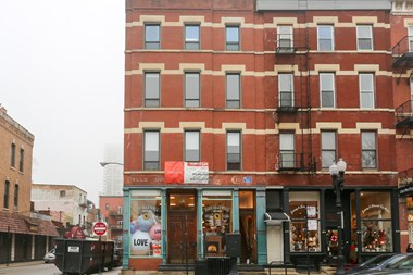 1365 N. Wells St. 3 Beds Apartment for Rent Photo Gallery 1