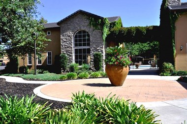 9589 Four Winds Drive 1-3 Beds Apartment for Rent Photo Gallery 1