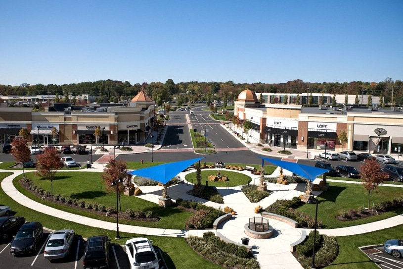 Valley Square Shopping Center