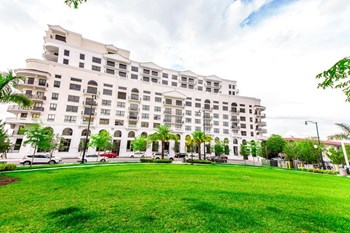 8150 SW 72nd Ave 1-3 Beds Apartment for Rent Photo Gallery 1