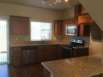 516 Gray Ct. 2 Beds Townhouse for Rent Photo Gallery 1
