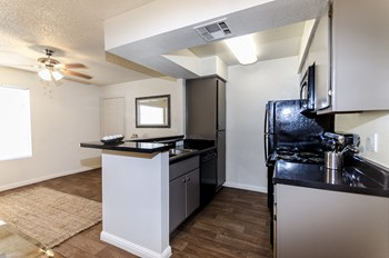 5020 W. Peoria Ave. 1-2 Beds Apartment for Rent Photo Gallery 1