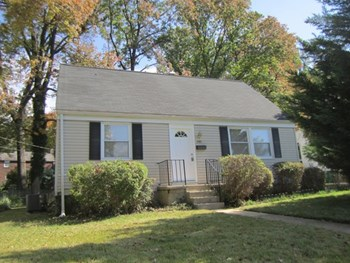 731 Templecliff Rd 4 Beds House for Rent Photo Gallery 1
