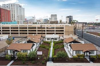 230 N. 7th Street 2 Beds Duplex/Triplex for Rent Photo Gallery 1