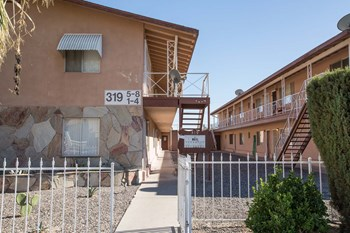 319 S. 9th Street 1-2 Beds Apartment for Rent Photo Gallery 1