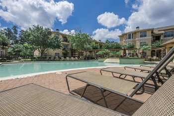 4733 West Waters Avenue 1-3 Beds Apartment for Rent Photo Gallery 1