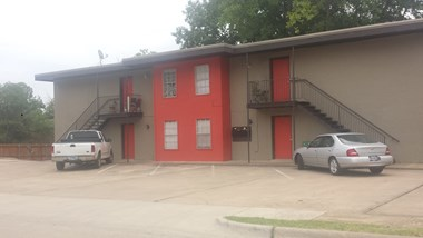 1122 Vine Street 2-3 Beds Apartment for Rent Photo Gallery 1