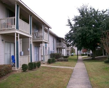 4600 Park Towne Way 1-2 Beds Apartment for Rent Photo Gallery 1