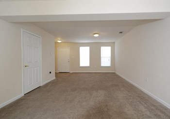 1518 E Park Ave 2-3 Beds Apartment for Rent Photo Gallery 1