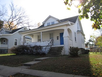 2309 Hamilton Ave 3 Beds House for Rent Photo Gallery 1