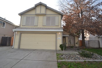 8251 Derbyshire Cir 4 Beds House for Rent Photo Gallery 1