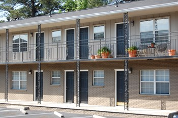 480 Peachtree Hills Avenue Studio-2 Beds Apartment for Rent Photo Gallery 1