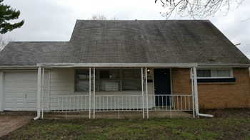 4958 Folger 4 Beds House for Rent Photo Gallery 1