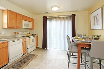78 Insley Way 2-3 Beds Apartment for Rent Photo Gallery 1