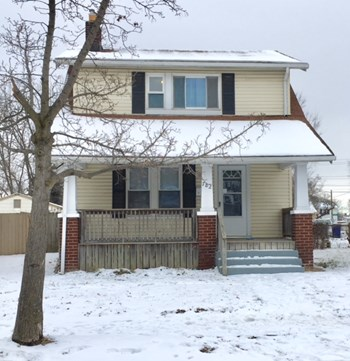 782 Terrace Ave 2 Beds House for Rent Photo Gallery 1