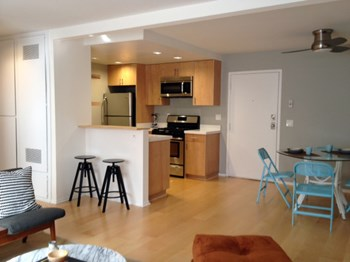 5091 Glen Iris Ave. 1-2 Beds Apartment for Rent Photo Gallery 1