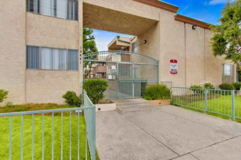 15441 & 15505 Nordhoff St 1-3 Beds Apartment for Rent Photo Gallery 1