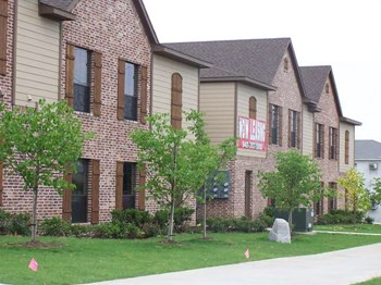 2105 Stella St 1-3 Beds Apartment for Rent Photo Gallery 1