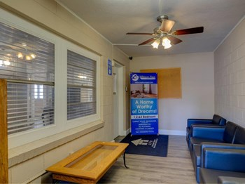 5600 Silver Star Rd 1-3 Beds Apartment for Rent Photo Gallery 1