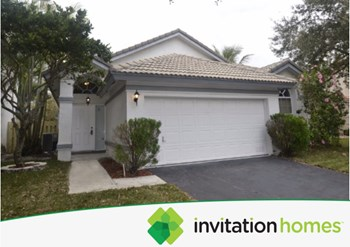 2925 Nw 70 Avenue 3 Beds House for Rent Photo Gallery 1