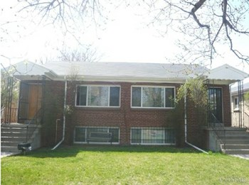 1555 Tamarac St. 2 Beds Apartment for Rent Photo Gallery 1