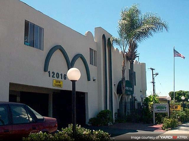 12016 Imperial Hwy Studio 1 Bed Apartment For Rent Photo Gallery 1