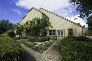 3300 Rollingbrook Drive, 1-3 Beds Apartment for Rent Photo Gallery 1