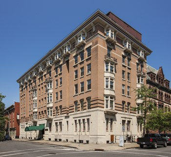 17 State Street Studio-4 Beds Apartment for Rent Photo Gallery 1