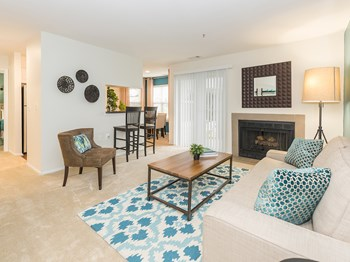 16021 English Oaks Avenue 1-3 Beds Apartment for Rent Photo Gallery 1