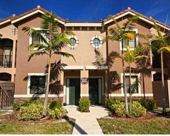 22411 SW 88th Place Unit 5 2 Beds House for Rent Photo Gallery 1