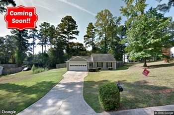 246 Red Oak Drive 3 Beds House for Rent Photo Gallery 1